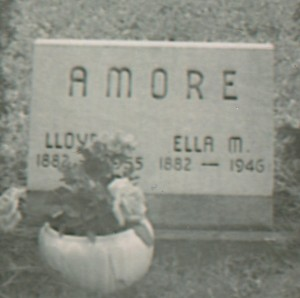 lloyd & ella gravestone close