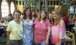 marions-pizza-7-july-2016-family-gathering-judy-karen-wendy-ann-marie2